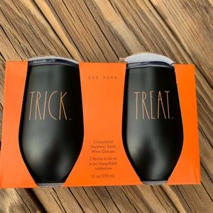Set of Rae Dunn Trick or Treat Wineglasses NIP